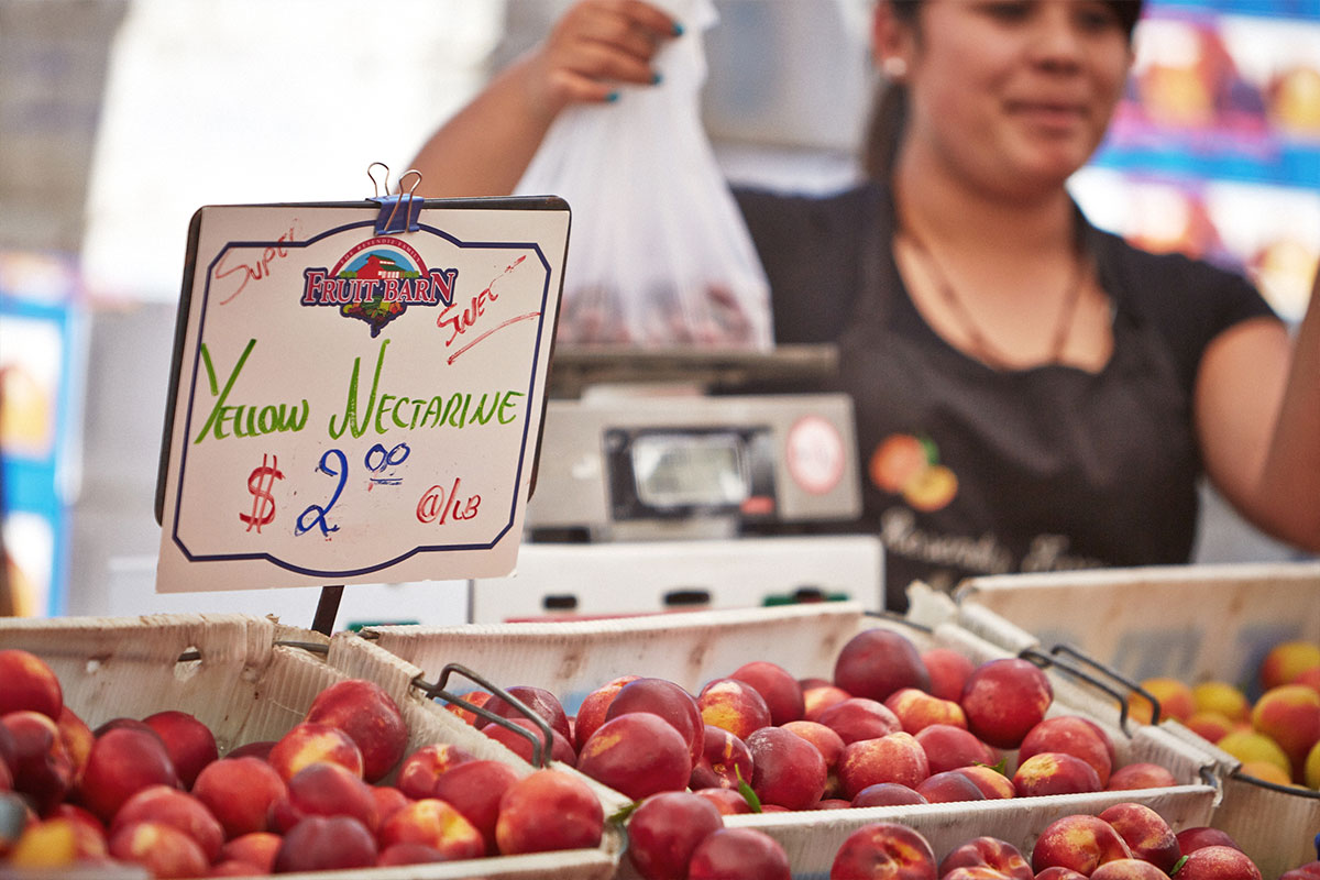 Redwood City : oldest and largest farmers' market on the Peninsula